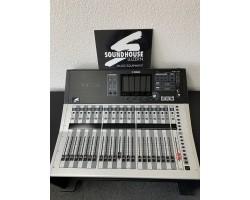 """ Yamaha TF3 Digitalmischpult Occasion_3740"