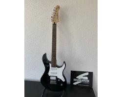Yamaha Pacifica 112V BL E-Gitarre, Black_3769